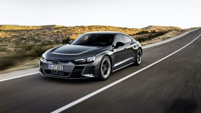 AUDI e-tron GT all-electric performance sportscar (14)