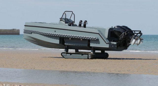 Iguana Pro Interceptor amphibious craft