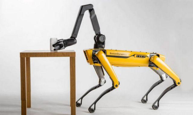 Robot Dog Spot got an extra arm (3)