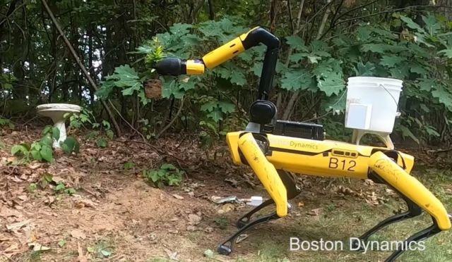 Robot Dog Spot got an extra arm (2)