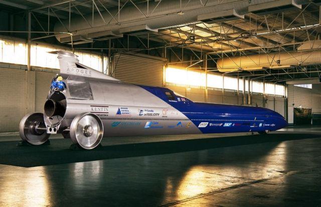 Aussie Invader 5R rocket-car (11)