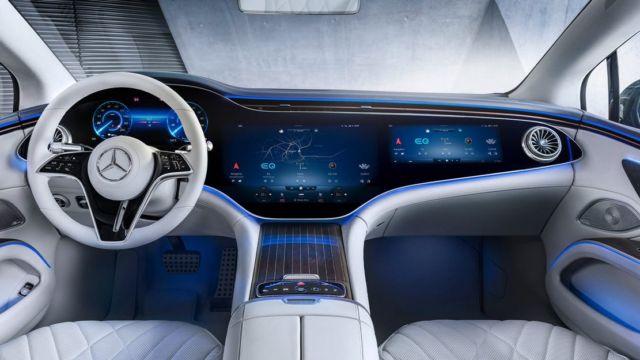 Mercedes-Benz's 56-inch 'Hyperscreen' dash (5)
