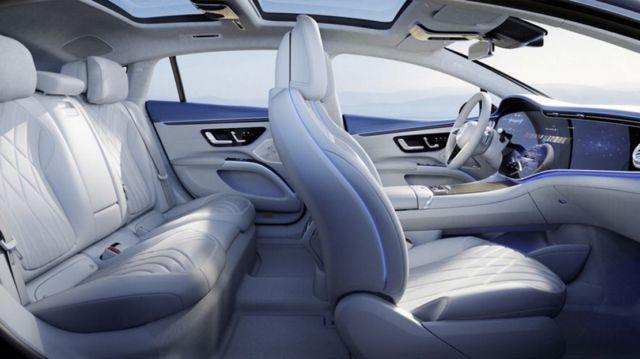 Mercedes-Benz's 56-inch 'Hyperscreen' dash (4)