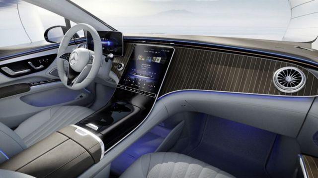 Mercedes-Benz's 56-inch 'Hyperscreen' dash (3)