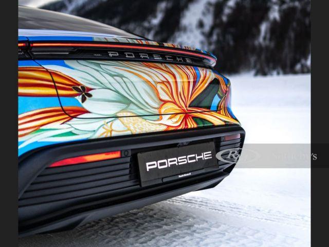 Porsche Taycan 4S Artcar (4)