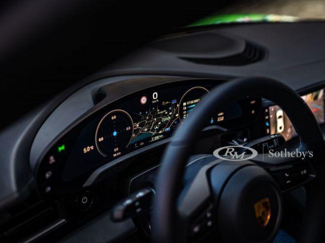 Porsche Taycan 4S Artcar (5)