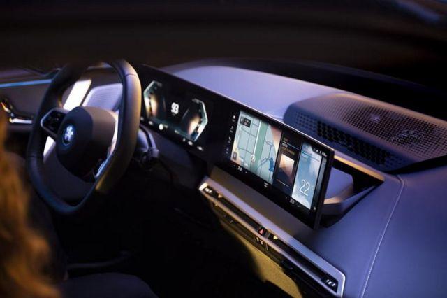 The New BMW iDrive 8 (2)