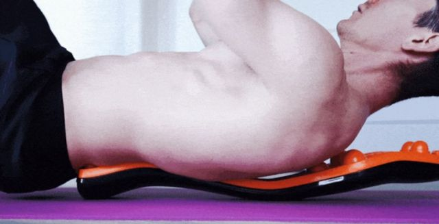 Trigger Point Rocker relieves back pain (4)