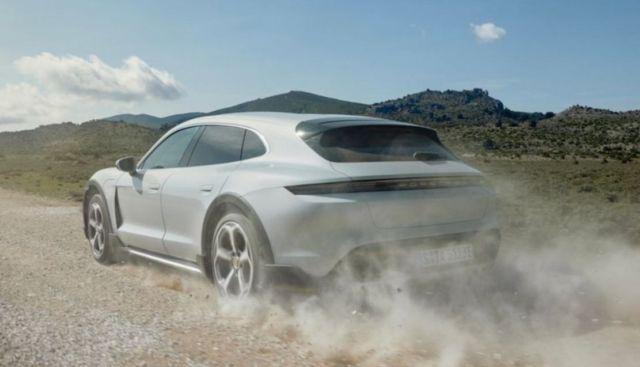 Porsche Taycan Cross Turismo (3)