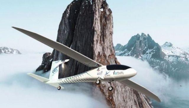 Phoenix Hydrogen-Powered Aircraft (4)