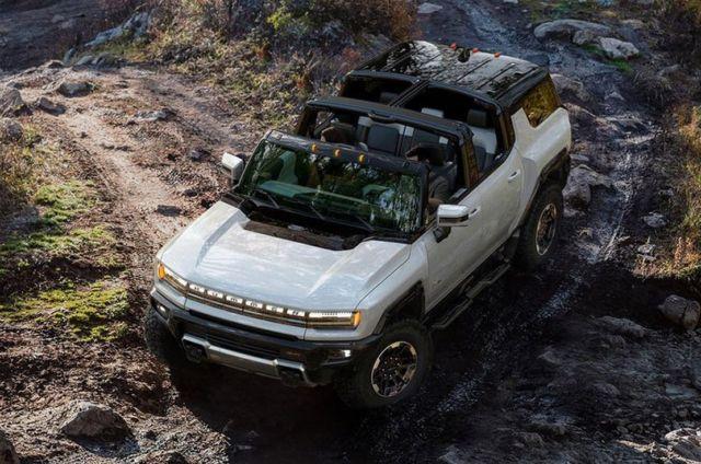 GMC Hummer EV SUV Supertruck (6)