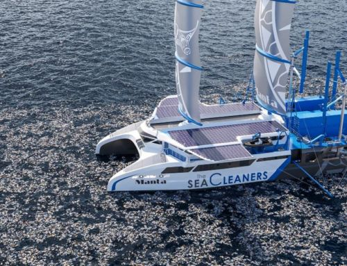 Manta giant Plastic-Eating Catamaran