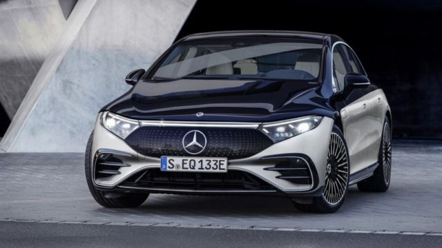 Mercedes-Benz EQS Electric Sedan (16)