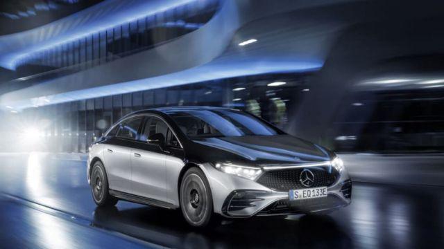 Mercedes-Benz EQS Electric Sedan (14)