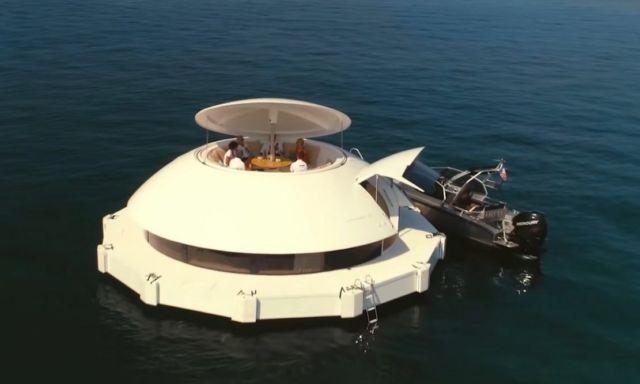 Anthenea Floating Suite (7)