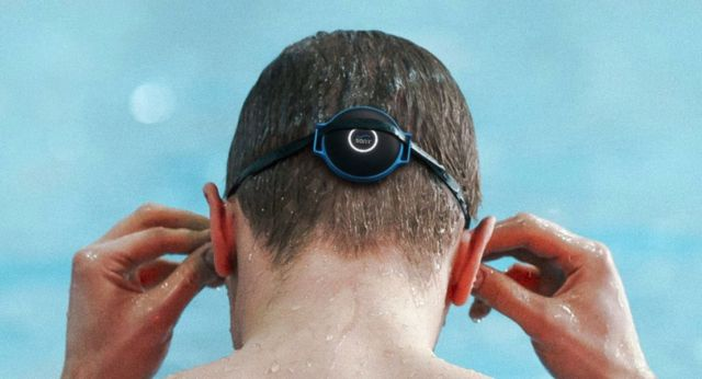 Sonr lets coaches communicate with swimmers (1)
