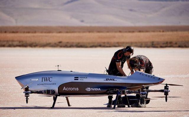 Airspeeder Flying racing car makes historic first flights (2)
