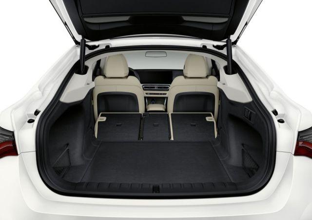 The first BMW i4 EV (2)