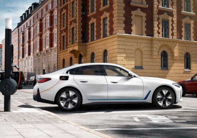 The first BMW i4 EV (10)