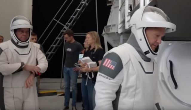 What makes SpaceX's Suits so good (4)