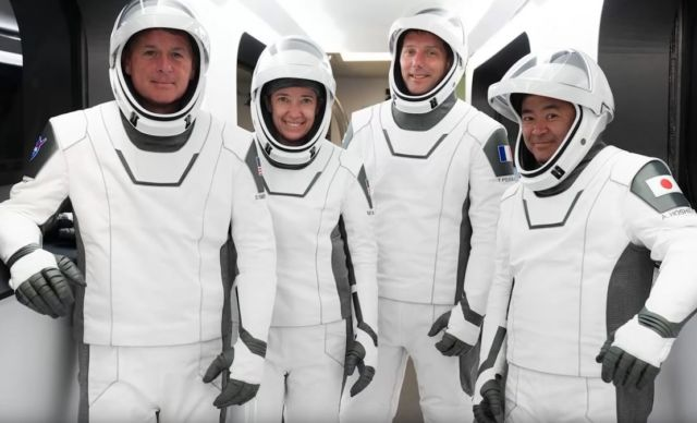 What makes SpaceX's Suits so good (2)