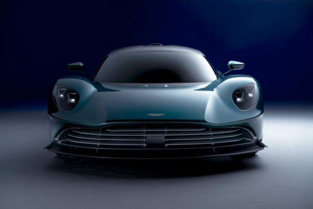 Aston Martin Valhalla supercar (3)