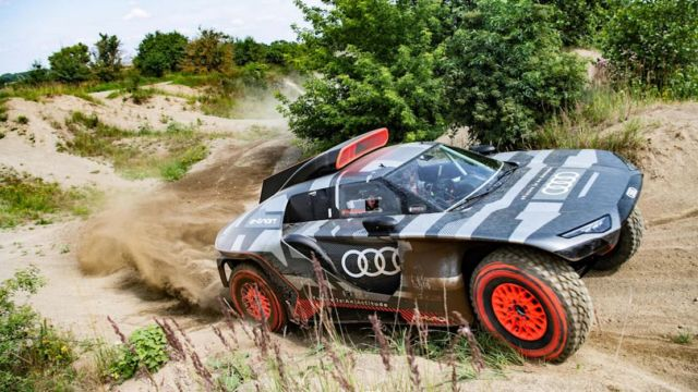 Audi RS Q e-tron Rally car (7)
