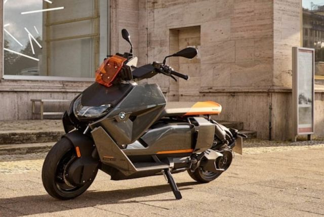 BMW CE 04 Electric Scooter (10)