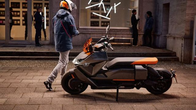 BMW CE 04 Electric Scooter (9)