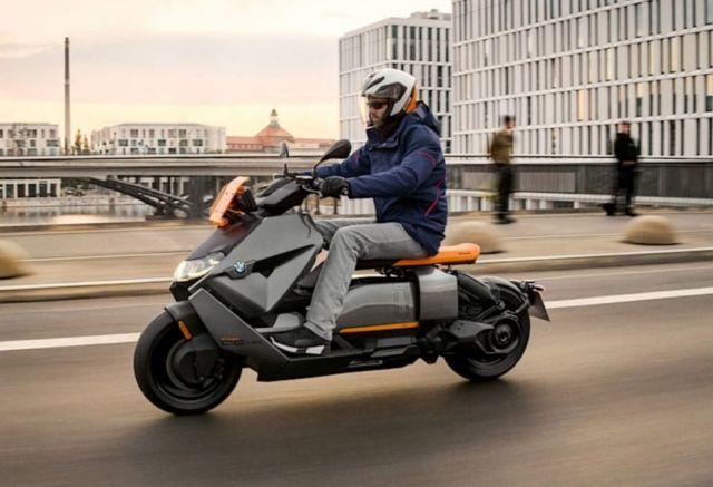 BMW CE 04 Electric Scooter (8)