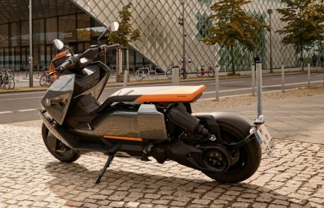 BMW CE 04 Electric Scooter (6)