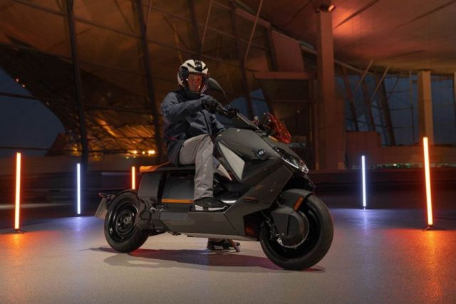 BMW CE 04 Electric Scooter (3)