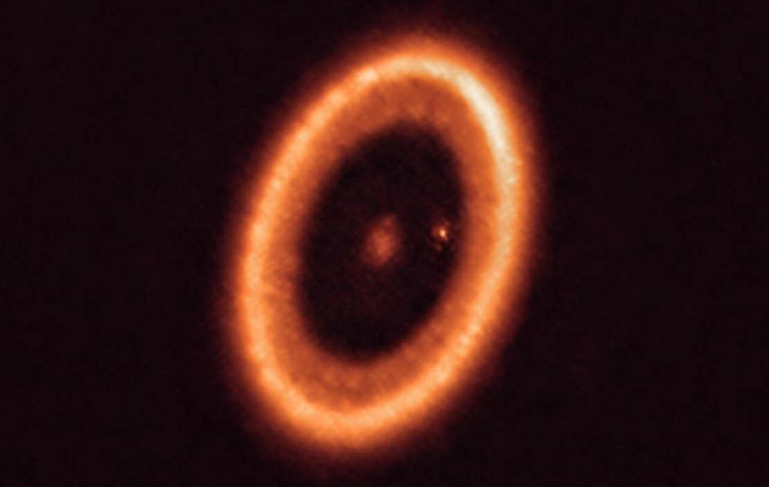 First clear detection of a Moon-forming disc around an Exoplanet
