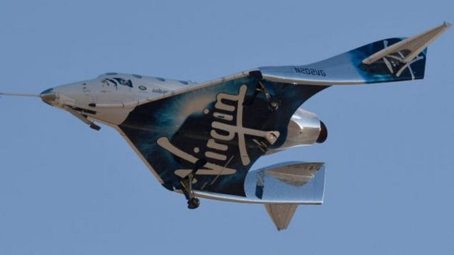 Richard Branson successfully reach the 'Edge of Space' (4)