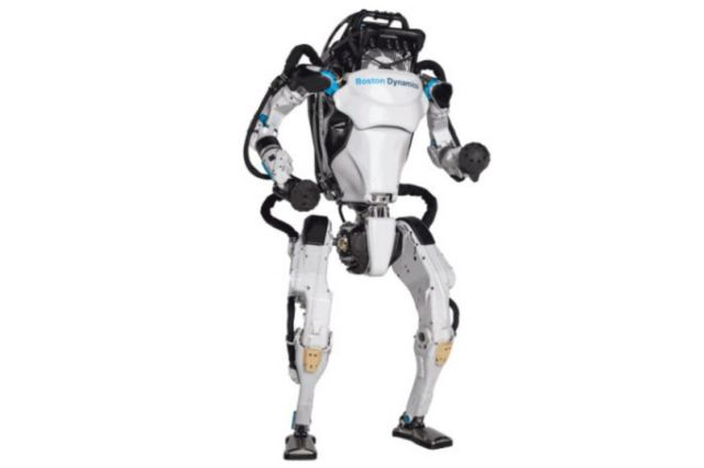 Atlas robot demonstrates its parkour skills (2)