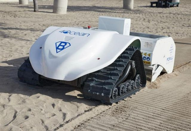 Beach-cleaning BeBot