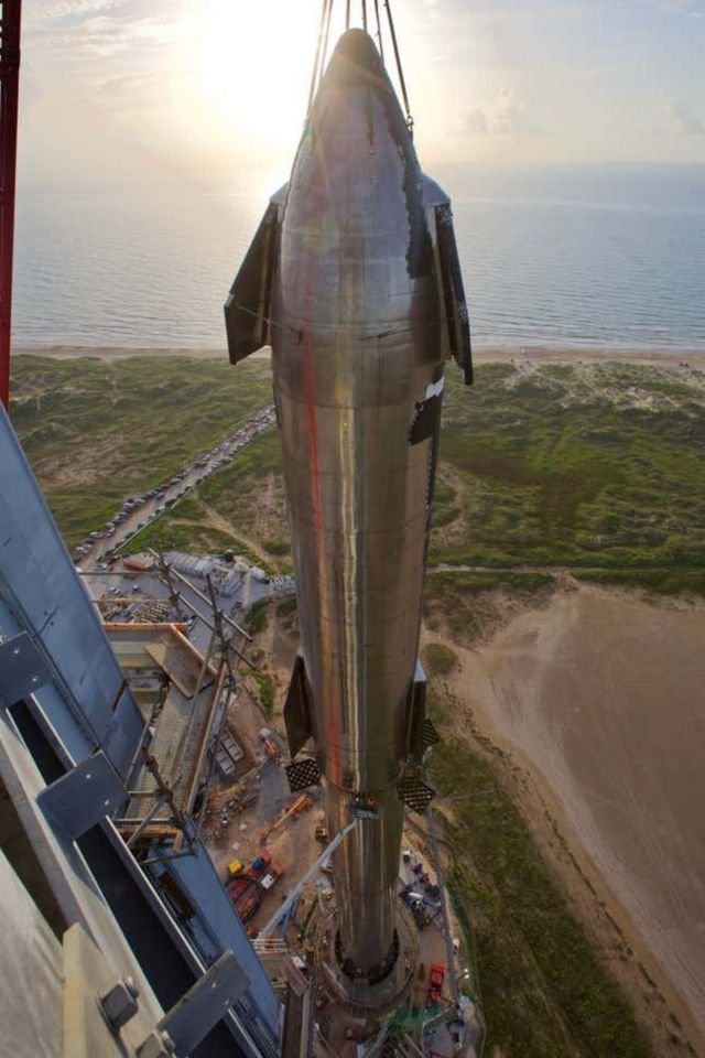 The Tallest Rocket ever built (3)