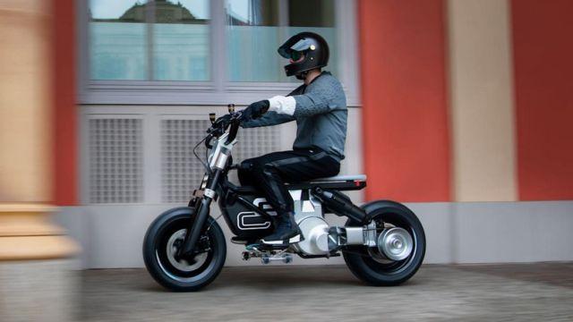 BMW Motorrad Concept CE 02 (9)
