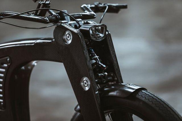 CrownCruiser Carbon Fiber e-Bike (5)