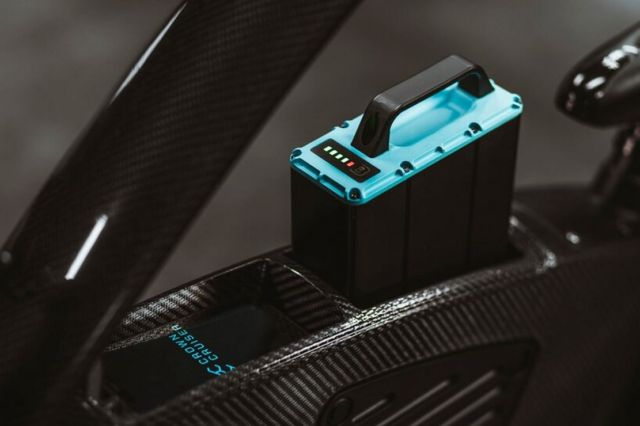 CrownCruiser Carbon Fiber e-Bike (2)