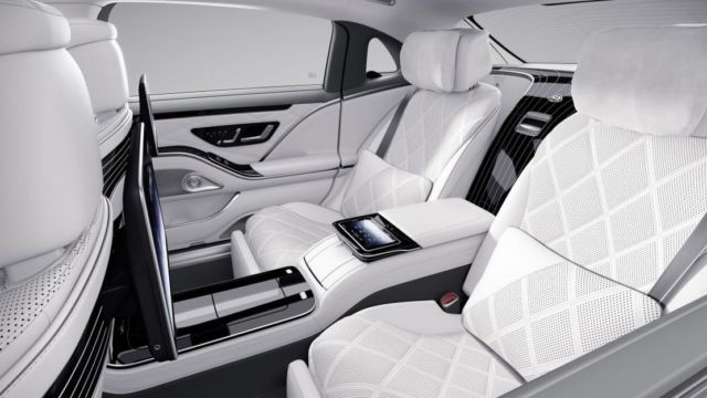 Mercedes Maybach Edition 100 (1)