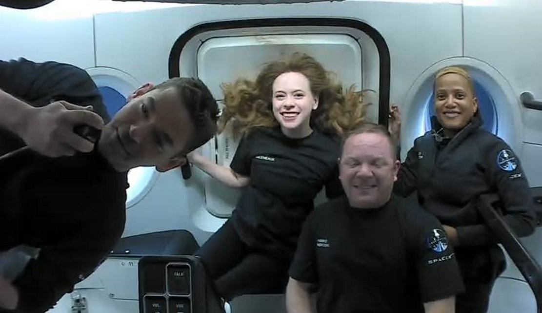 SpaceX's All-Civilian Inspiration4 Mission in Orbit (3)