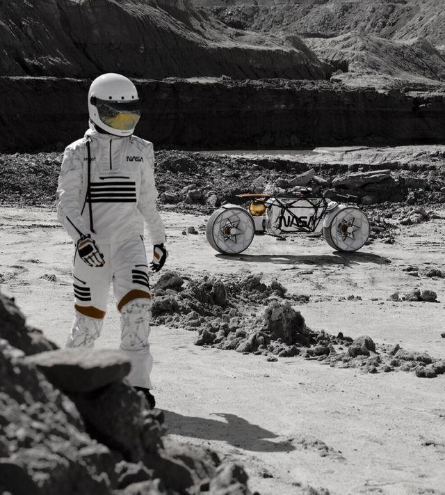 Tardigrade Lunar Motorcycle concept (3)